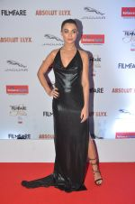 Amy Jackson at Filmfare Glamour & Style Awards 2016 in Mumbai on 15th Oct 2016 (1427)_5804d77aa831b.JPG