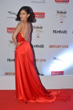 Amyra Dastur at Filmfare Glamour & Style Awards 2016 in Mumbai on 15th Oct 2016 (1319)_5804d7826c8ac.JPG
