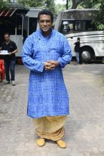 Anurag Basu on the sets of Super Dancer on 16th Oct 2016 (84)_5804bea04e3c9.JPG