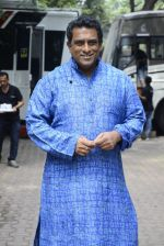 Anurag Basu on the sets of Super Dancer on 16th Oct 2016 (87)_5804bdfa37a36.JPG