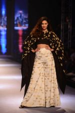 Athiya Shetty walks for Masaba at Amazon India Fashion Week on 15th Oct 2016 (27)_5804a2e914cb5.jpg