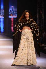 Athiya Shetty walks for Masaba at Amazon India Fashion Week on 15th Oct 2016 (28)_5804a2ea3fdbb.jpg