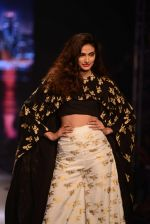 Athiya Shetty walks for Masaba at Amazon India Fashion Week on 15th Oct 2016 (33)_5804a2ef2d47a.jpg