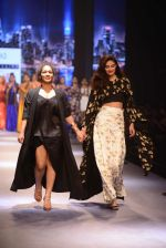 Athiya Shetty walks for Masaba at Amazon India Fashion Week on 15th Oct 2016 (44)_5804a2f734622.jpg