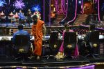 Baba Ramdev on the sets of Super Dancer on 16th Oct 2016 (123)_5804bf0a7fc48.JPG