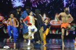 Baba Ramdev on the sets of Super Dancer on 16th Oct 2016 (21)_5804be4976e53.JPG