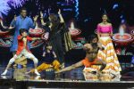 Baba Ramdev on the sets of Super Dancer on 16th Oct 2016 (25)_5804be4deabdf.JPG