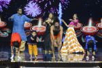Baba Ramdev on the sets of Super Dancer on 16th Oct 2016 (28)_5804be5046f39.JPG