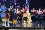 Baba Ramdev on the sets of Super Dancer on 16th Oct 2016 (30)_5804be52b3666.JPG