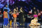 Baba Ramdev on the sets of Super Dancer on 16th Oct 2016 (48)_5804be5a537e4.JPG