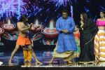 Baba Ramdev on the sets of Super Dancer on 16th Oct 2016 (53)_5804bea5d4ac5.JPG