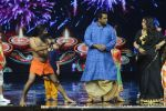 Baba Ramdev on the sets of Super Dancer on 16th Oct 2016 (54)_5804be5d32827.JPG