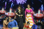 Baba Ramdev on the sets of Super Dancer on 16th Oct 2016 (59)_5804bf00c568e.JPG