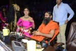 Baba Ramdev, Shilpa Shetty on the sets of Super Dancer on 16th Oct 2016 (100)_5804be6891e2a.JPG