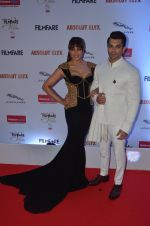 Bipasha Basu, Karan Singh Grover at Filmfare Glamour & Style Awards 2016 in Mumbai on 15th Oct 2016 (1940)_5804d8137915e.JPG