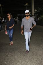 Dhanush snapped at airport on 16th Oct 2016 (16)_5804ddc8ac5aa.JPG