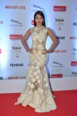 Gauhar Khan at Filmfare Glamour & Style Awards 2016 in Mumbai on 15th Oct 2016 (1137)_5804d852bf163.JPG