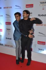 Gulshan Devaiya, Prateik Babbar at Filmfare Glamour & Style Awards 2016 in Mumbai on 15th Oct 2016 (1271)_5804db6ccf940.JPG
