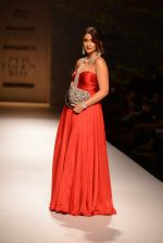 Ileana D Cruz walks for Abhishek Kankaria and shruti Tapuria at amazon day 5 on 16th Oct 2016 (22)_5804c129c565c.jpg