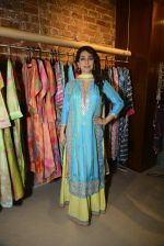 Juhi Chawla innaugurates Gopi Vaid_s new store on 15th Oct 2016 (105)_5804a26cdc1f4.JPG