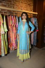 Juhi Chawla innaugurates Gopi Vaid_s new store on 15th Oct 2016 (107)_5804a26f16e56.JPG