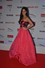 Katrina Kaif at Filmfare Glamour & Style Awards 2016 in Mumbai on 15th Oct 2016 (1953)_5804da9b775ea.JPG