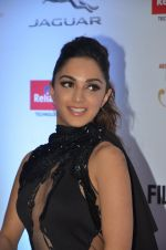 Kiara Advani at Filmfare Glamour & Style Awards 2016 in Mumbai on 15th Oct 2016 (1494)_5804da9ed7aa7.JPG