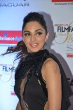 Kiara Advani at Filmfare Glamour & Style Awards 2016 in Mumbai on 15th Oct 2016 (1505)_5804daab3a26d.JPG