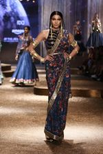 Model walk the ramp for JJ Valaya Show grand finale at amazon India Fashion Week on 16th Oct 2016 (18)_5804c628b1bce.jpg