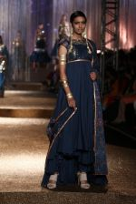 Model walk the ramp for JJ Valaya Show grand finale at amazon India Fashion Week on 16th Oct 2016 (20)_5804c62a3fbb1.jpg