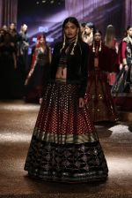 Model walk the ramp for JJ Valaya Show grand finale at amazon India Fashion Week on 16th Oct 2016 (52)_5804c643232d0.jpg