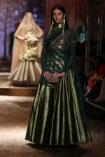 Model walk the ramp for JJ Valaya Show grand finale at amazon India Fashion Week on 16th Oct 2016 (59)_5804c64a05908.jpg