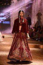 Model walk the ramp for JJ Valaya Show grand finale at amazon India Fashion Week on 16th Oct 2016 (67)_5804c64fced73.jpg