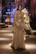 Model walk the ramp for JJ Valaya Show grand finale at amazon India Fashion Week on 16th Oct 2016 (8)_5804c61fdabf6.jpg