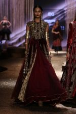 Model walk the ramp for JJ Valaya Show grand finale at amazon India Fashion Week on 16th Oct 2016 (38)_5804c6386ecd1.jpg