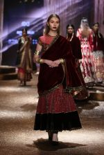 Model walk the ramp for JJ Valaya Show grand finale at amazon India Fashion Week on 16th Oct 2016 (39)_5804c63928782.jpg