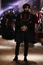 Model walk the ramp for JJ Valaya Show grand finale at amazon India Fashion Week on 16th Oct 2016 (46)_5804c63e118fe.jpg