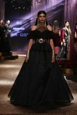 Model walk the ramp for JJ Valaya Show grand finale at amazon India Fashion Week on 16th Oct 2016 (49)_5804c6408f6f9.jpg