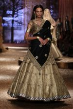 Model walk the ramp for JJ Valaya Show grand finale at amazon India Fashion Week on 16th Oct 2016 (5)_5804c61c08868.jpg