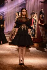 Model walk the ramp for JJ Valaya Show grand finale at amazon India Fashion Week on 16th Oct 2016 (72)_5804c6535aaf2.jpg
