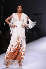 Model walk the ramp for Pria Kataria_s show at Amazon India Fashion Week on 15th Oct 2016 (11)_580498bbf10af.jpg