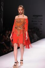 Model walk the ramp for Pria Kataria_s show at Amazon India Fashion Week on 15th Oct 2016 (31)_580498d15ae13.jpg