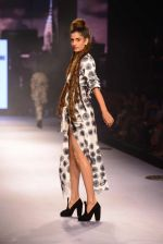 Model walks for Masaba at Amazon India Fashion Week on 15th Oct 2016 (34)_5804a30330a72.jpg