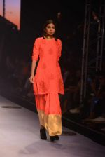 Model walks for Masaba at Amazon India Fashion Week on 15th Oct 2016 (35)_5804a303cf66e.jpg