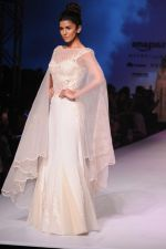 Nimrat Kaur walk the ramp for Mandira Wrik_s show at Amazon India Fashion Week on 15th Oct 2016 (46)_580498e3e8b82.jpg