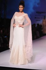Nimrat Kaur walk the ramp for Mandira Wrik_s show at Amazon India Fashion Week on 15th Oct 2016 (47)_580498e565a69.jpg