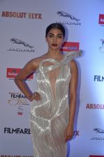 Pooja Hegde at Filmfare Glamour & Style Awards 2016 in Mumbai on 15th Oct 2016 (1841)_5804daf5a97f8.JPG