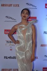 Pooja Hegde at Filmfare Glamour & Style Awards 2016 in Mumbai on 15th Oct 2016 (1842)_5804daf695557.JPG