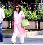 Preity Zinta snapped at launch in BKC on 15th Oct 2016 (5)_5804a020da4c1.JPG