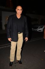 Puneet Issar at Hema Malini_s bday party on 16th Oct 2016 (17)_5804c7de0b1c7.JPG